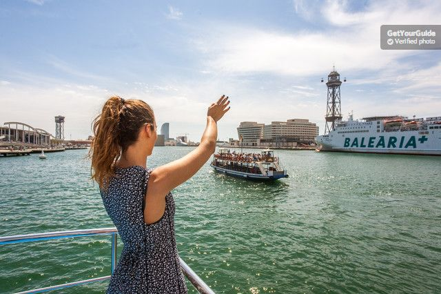 Experience more than 125 years of history on a 1.5-hour pleasure boat tour from Barcelona Harbour. Climb aboard the Las Golondrinas de Barcelona and get panoramic views of the beach and Barcelona skyline, from the Drassanes wharf to the Olympic Marina.