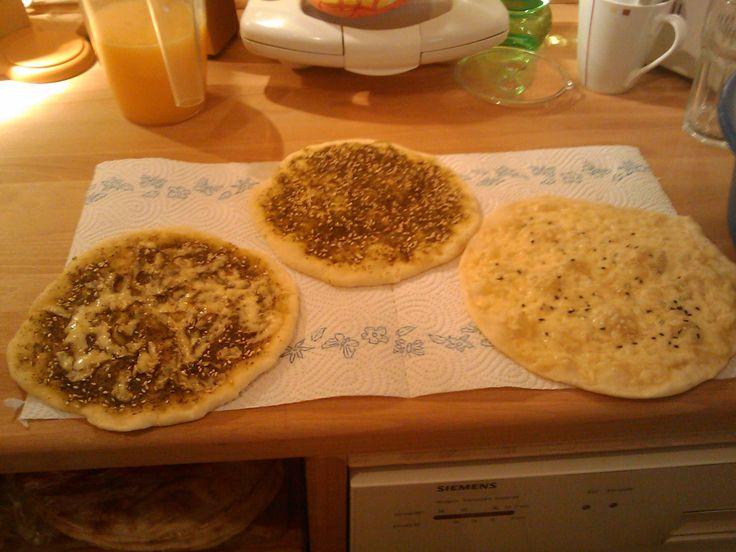 Mneish (Libanesische Frühstückspizza)