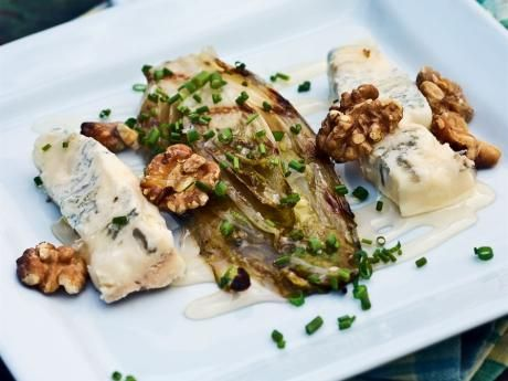Grilled endive with gorgonzola and walnuts