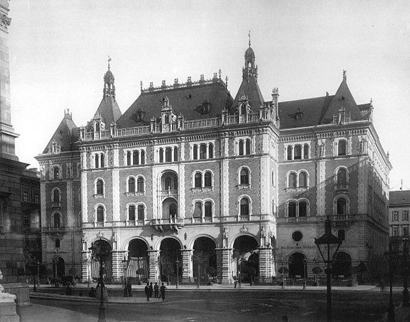 A Drechsler-palota - a későbbi Állami Balett Intézet - épülete az 1890-es évek elején - Budapest Anno