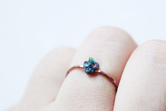 Minimalist rustic raw Peacock Titanium Quartz ring with hammered patina copper band-rustic colorful druzy ring-Rainbow mineral boho ring