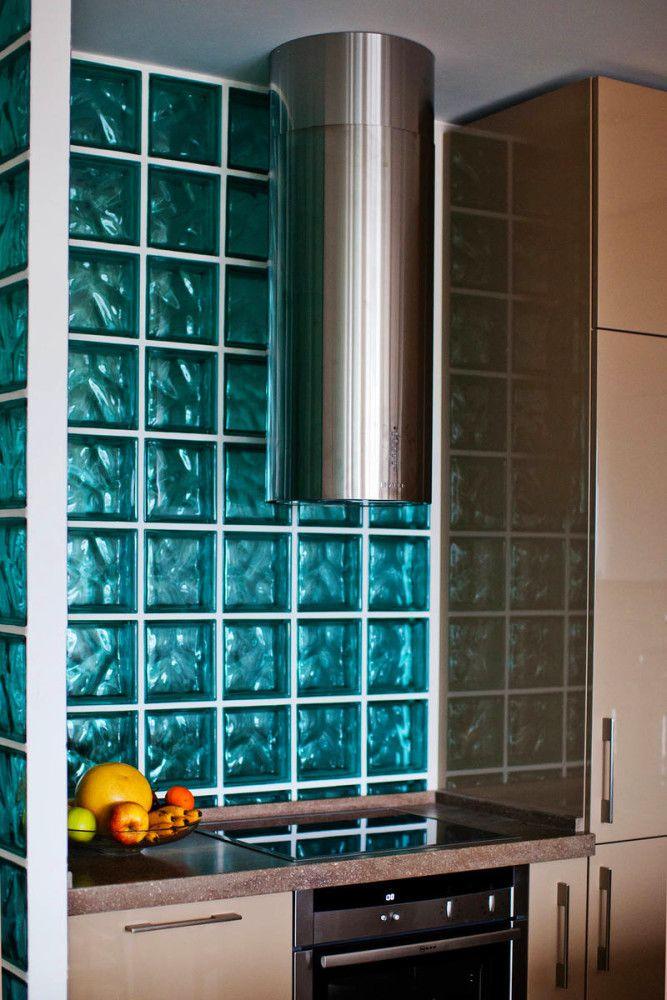Кухня в цветах: бирюзовый, серый, светло-серый, сине-зеленый. Кухня в стиле лофт.