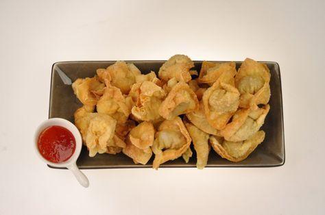 Er bestaan veel verschillende soorten pangsit. Oorspronkelijk is het Chinees. Het is een gefrituurde versie van de wonton (een soort dumpling). Dit recept is van de moeder van Francis, een Indische…