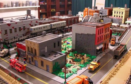 NYC Man Builds Incredibly Detailed Replica of Brooklyn out of Hundreds of Thousands of LEGOs | Inhabitat New York City: Brooklyn Hechas, Lartistica Ossess, Brooklyn Lego, Con Miles, Made, De Brooklyn, With The