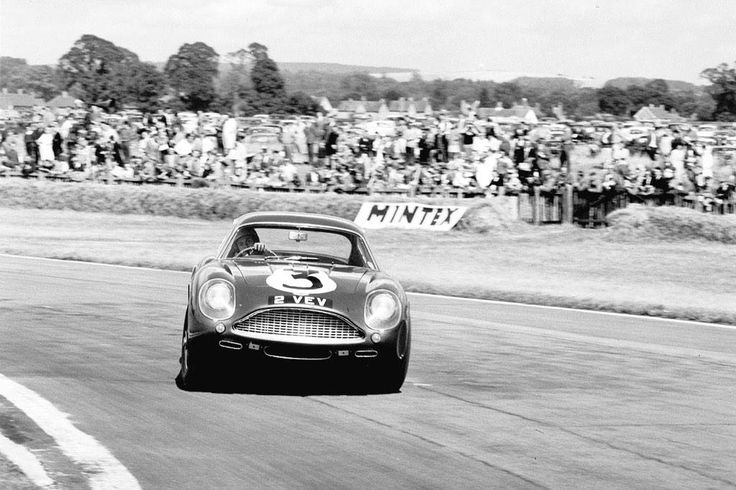 03——- Jim Clark, Aston Martin DB4 GT Zagato, Tourist Trophy, Goodwood, 1961—–