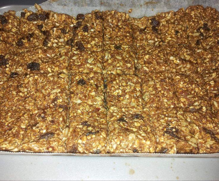 Recipe Raw Muesli Slice by lyn1977 - Recipe of category Desserts & sweets