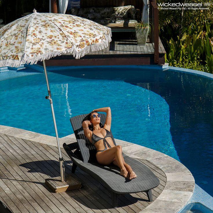 Thandie newton pantyhose