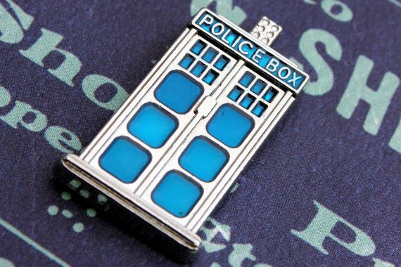 Doctor Who Tie Tack, Doctor Who Tardis Brooch Pin, Kitsch Jewelry, Geekery, Vintage Inspired, Wedding Unisex Gift, Scifi Tardis Blue Brooch (check)