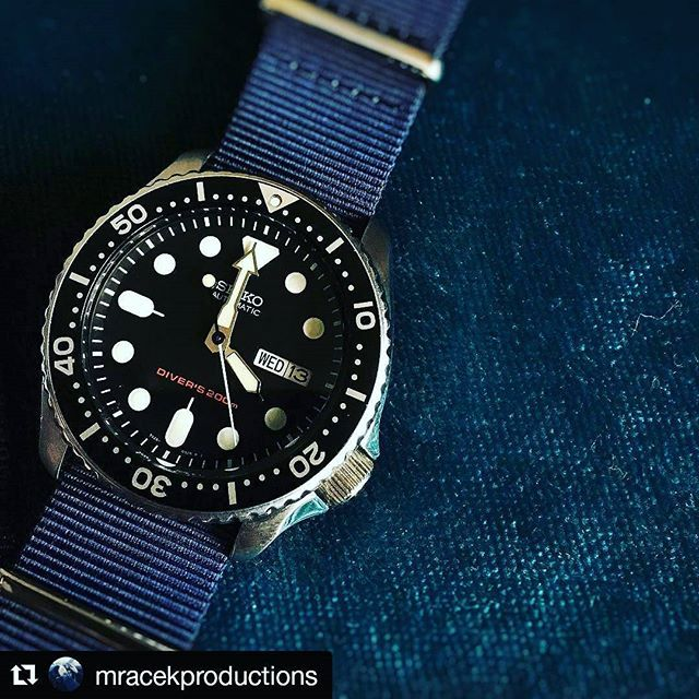 #skx007 on our navy #natostrap // customer photo from @mracekproductions
