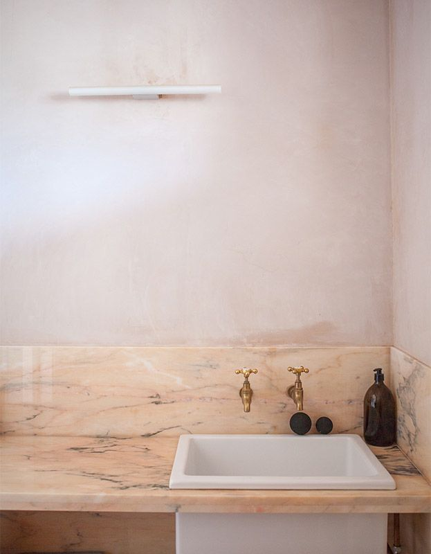 Best 25 pink marble ideas on pinterest pink marble for Stone bathroom wallpaper
