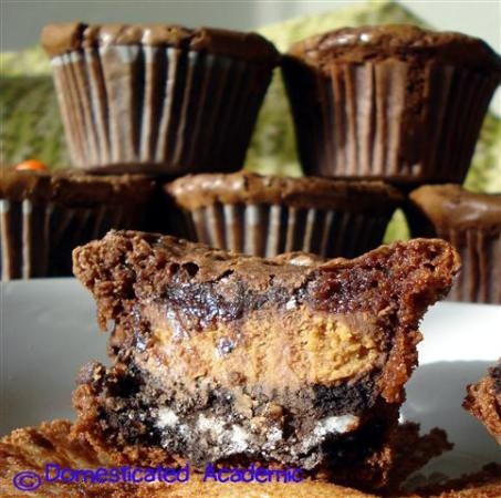 Crack Brownie Cupcakes- a mix between brownies, peanut utter cups and Oreos!