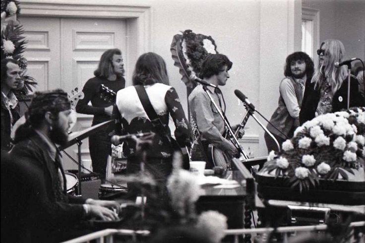 Nov 1, 1971 - Duane's funeral...Butch (on base), Dr. John, Thom Doucette, Berry, Dickey, Delaney Bramlett, and Gregg