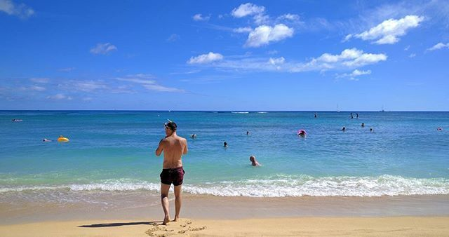 #Throwback to #summer and Hawaii #waikiki #beach #hawaii #wanderlust #usa #island #travel #wanderlust #snorkeling #pacific #tropical #stunning #instapic  #me #tbt  #exploreusa #justme #thegaypassport #misthesun #fitness #guysabroad