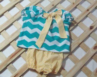 Baby Mädchen 2 Stück Outfit, Bauer Kleid und Hose set, Chevron / polka Dots, Baby Kleidung, Kinder-Mode Größe Newborn bis 3 Monate.