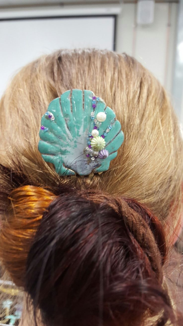Under the sea hair comb