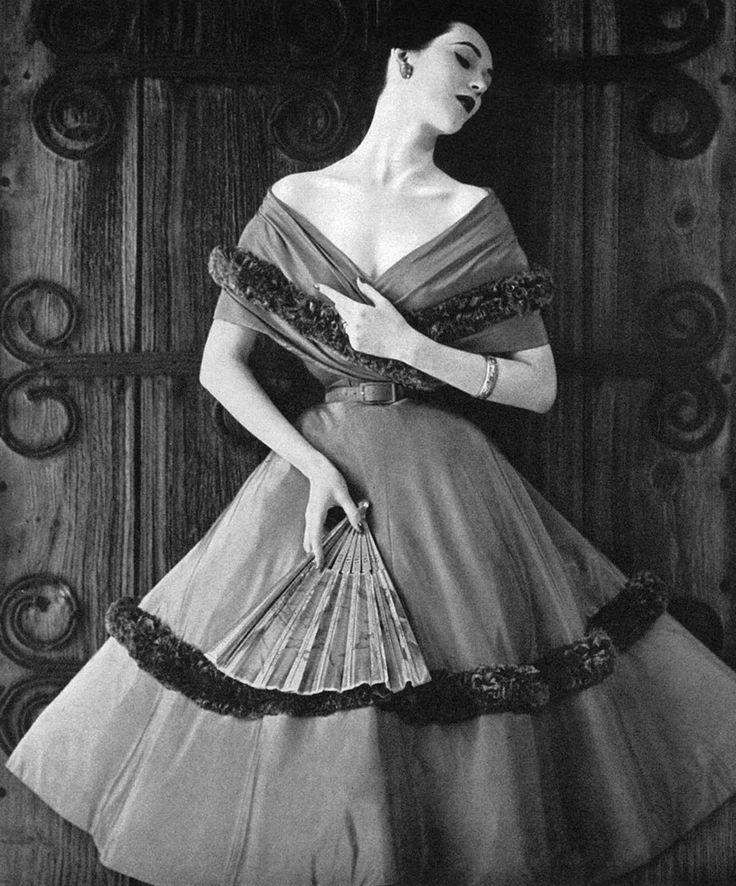 Dovima, 1950s.