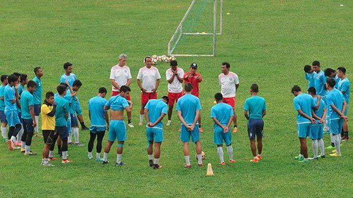 Tandang ke Markas Madura United, Arema FC Dipastikan Bermain Tanpa Arthur Cunha dan Dedik Setiawan
