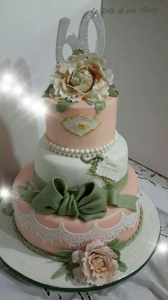 torta  romantica con peonia