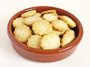 Galletas Saladas ~ Homemade Ritz Crackers   DeNIKAtessen - Recetas de Cocina
