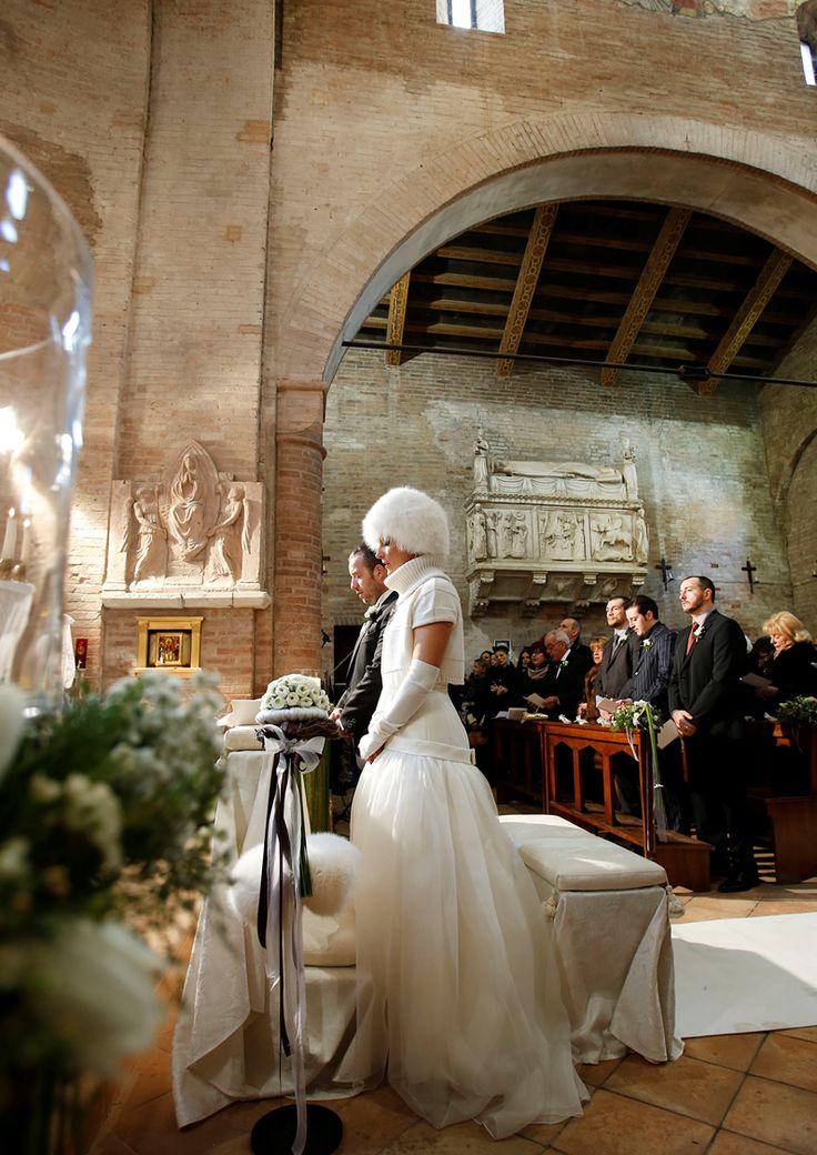 Wedding in a romanesque church: Sagra