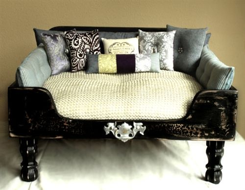 Luxury designer black elegance dog bed beds blankets for Extravagant dog beds