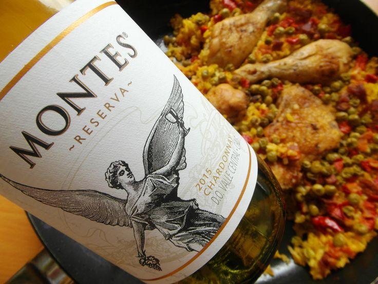 Španielska Paella a Chardonnay z Čile, ochutnajte skvelé víno a jedlo ... www.vinopredaj.sk  #paella #chardonnay #chile #montes #vino #wine #wein #food #goodfood #dobrejedlo