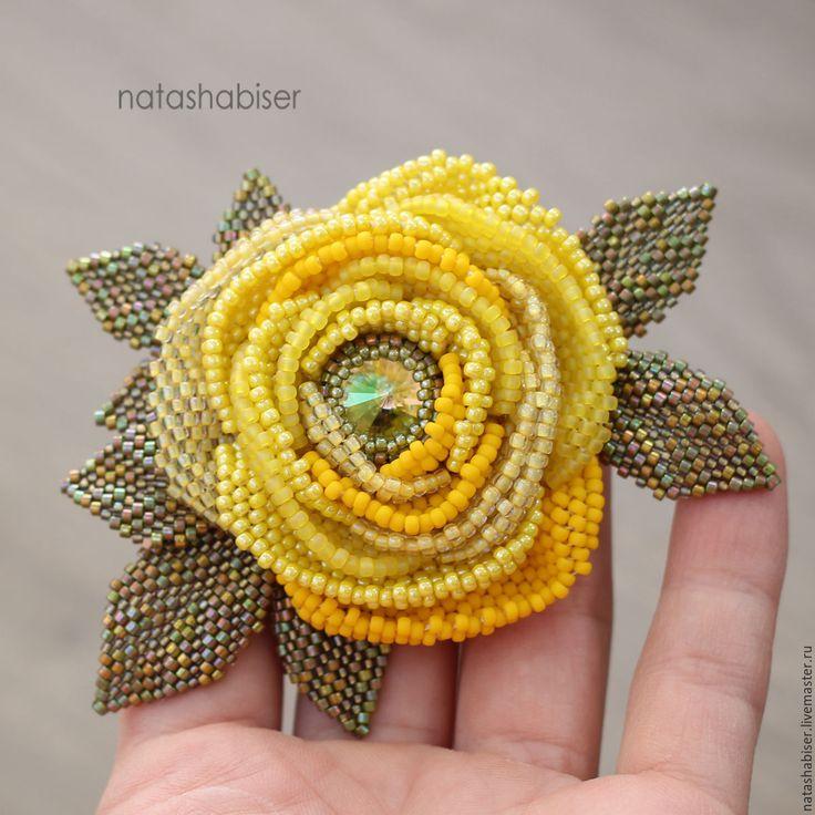 Купить Брошь цветок из бисера Желтая Роза (0393) - желтый, брошь, брошь цветок