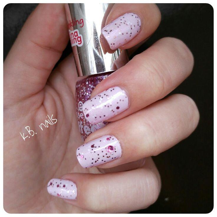 #nails #lorealparis #gourmandise #essencecosmetics #lovelymaybe
