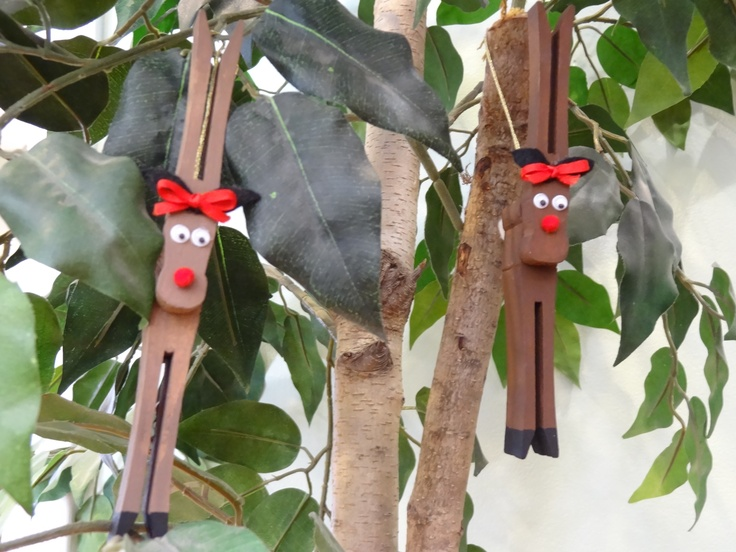 Reindeer Clothes Pin Ornament I made these all long time ago!