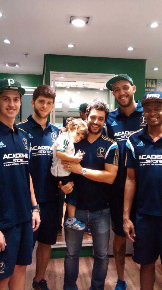 Visita equipe de basquete Palmeiras. Academia Store Penha.