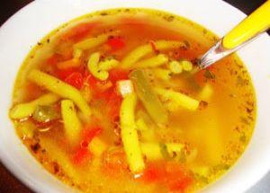 Суп из стручковой фасоли с овощами – смесь из обычных продуктов, которая доставить вашей семье неимоверное наслаждение!