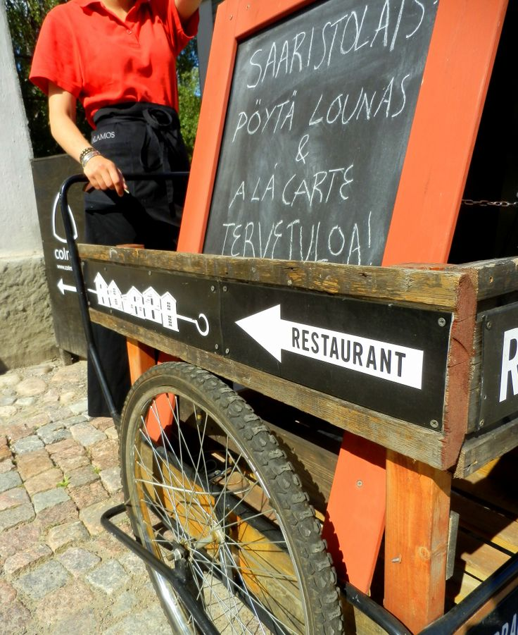 Anni from restaurant Fryysarinranta wants you to try the exotic reindeer burger. Welcome! www.visitporvoo.fi