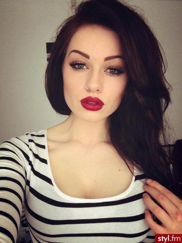 Love This Lip Color!: Hair Colors, Dark Hair, Subtle Eye