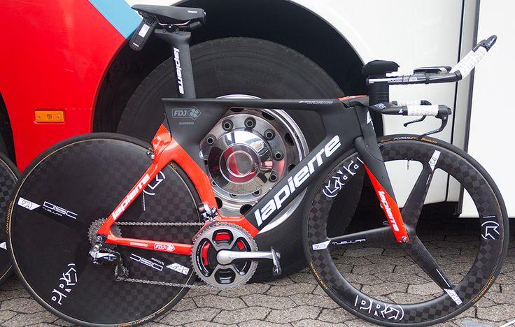 FDJ's Lapierre Aerostorm DRS http://www.bicycling.com/bikes-gear/tour-de-france/the-time-trial-bikes-of-the-2017-tour-de-france/slide/10