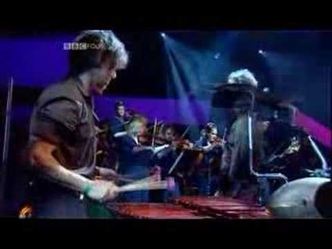 David Byrne - This Must Be The Place (Naive Melody) (Live Jools Holland 2004)