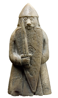 Los bersekers eran guerreros vikingos famosos porque en combate entraban en trance y se volvían fieros y temibles. En el ajedrez de Lewis se pueden ver cómo estos guerreros con los ojos desorbitados muerden sus escudos. Los bersekers y los guerreros con espadas parecen ser el antecedente de nuestras torres actuales.