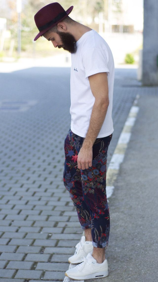 whole look / floral pants / hat
