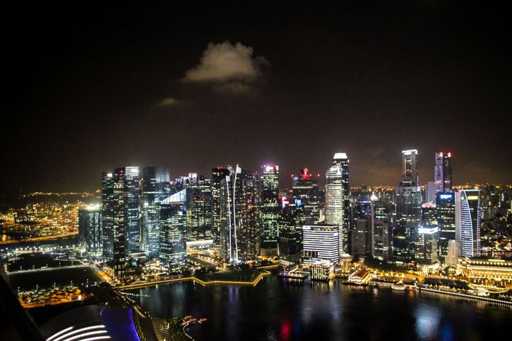 Singapor #travel #singapor #marinabaysands #chinatown #island #asia #epicgust #bigcity #night