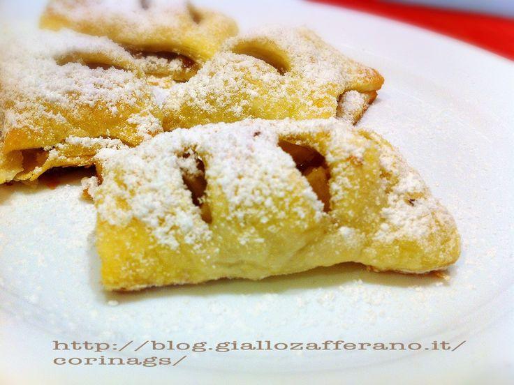 Fagottini dolci di pasta sfoglia con mele e noci