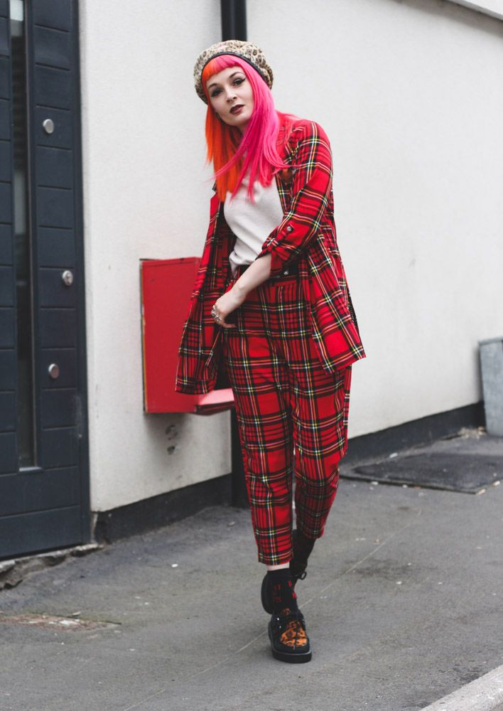 753d11b8eb18 Alternative fashion blogger foxxtailz Styles Stradivarius tartan suit