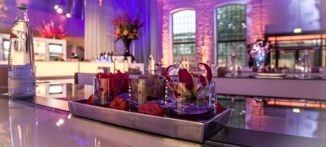 DOCK.ONE - Top 20 Weihnachtsfeier Location Köln #köln #event #location #top #20 #feier #weihnachtsfeier #weihnachten #christmas #business #privat #party #firmen #event #christmas #soon #prepare #organise #special #unique