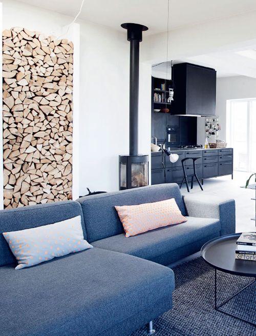 sofa, kjøkken, peis