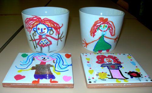 """Tasses et carreaux décorés """"main"""", ça c'est de l'artisanat-fête des Mères !"""