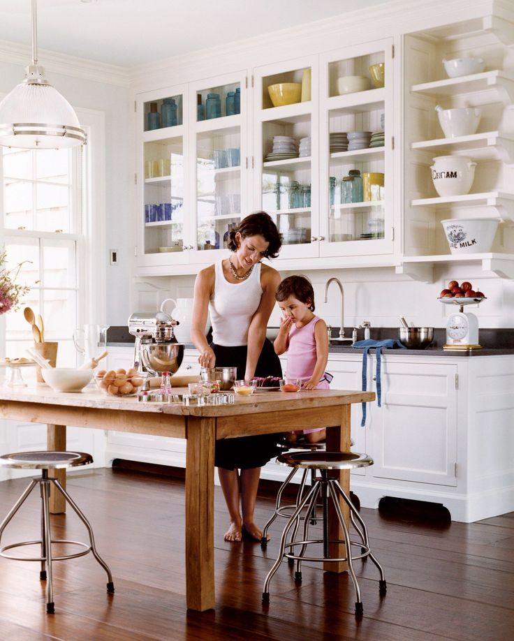 Jessica Seinfeld with daughter Sascha in the light-filled kitchen in the family's East Hampton estate.