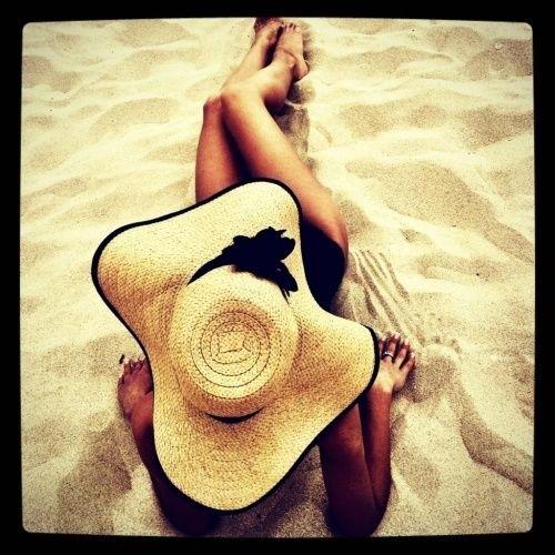 Love  this little bonnet. : ): Beaches, Fashion, Style, The Beach, Floppy Hats, Summertime, Beach Hats, Summer Time