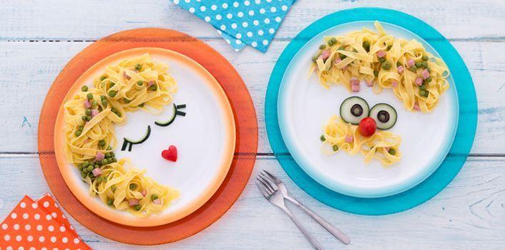 Fettuccine prosciutto e piselli. Per leggere la ricetta: http://myhome.bormioliroccocasa.it/myhome/it/home/spazio-alle-idee/mani-in-pasta/fettuccine-prosciutto-e-piselli.html