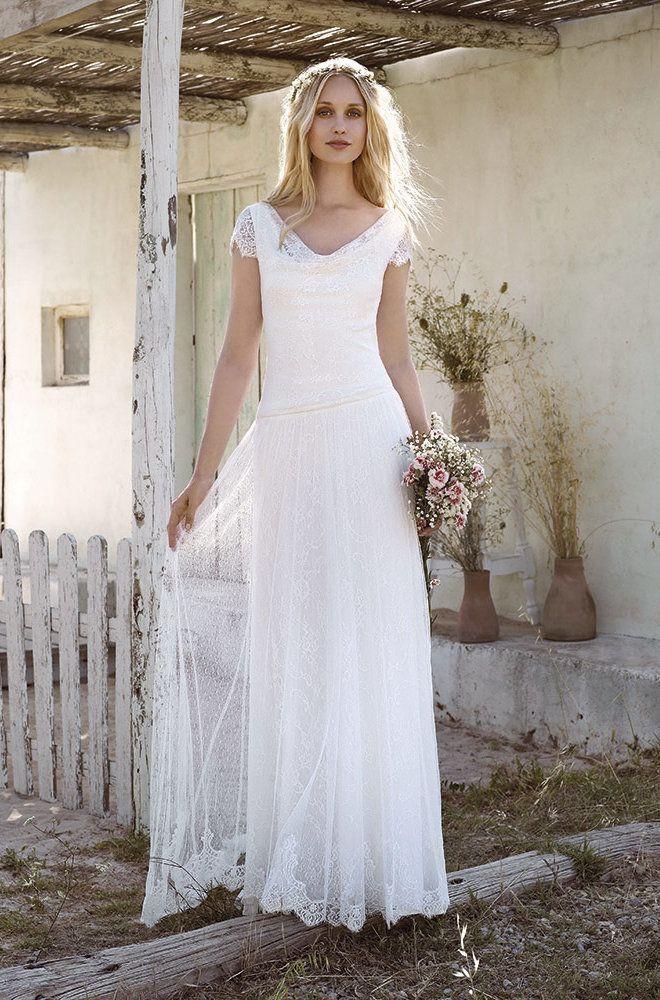 Rembo styling — Vintage — Sarah: Glattes Kleid in Stretch-Spitze Flügelärmelund drapiertem Ausschnitt.