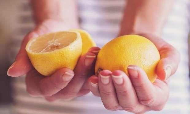 Vitamin deposu limonu sadece salatalarınıza sıkmak için kullanmayın!