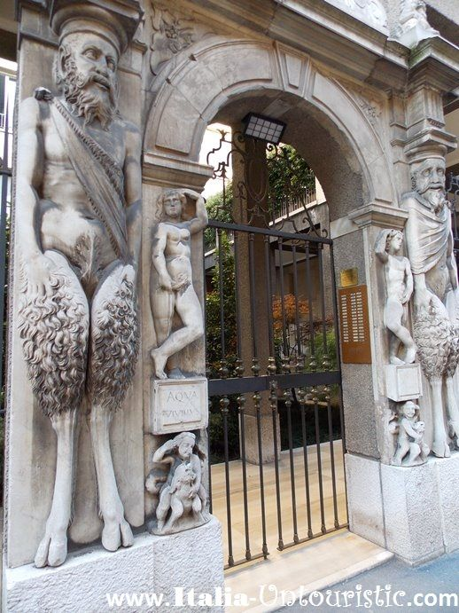 """""""A house of Fauns"""". Milan, Italy"""