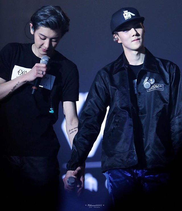 """""""suaviter in modo, fortiter in re"""" """"gently in manner, firmly in action"""" . . #chanhun #chanse #찬세 #chanyeol #sehun #parkchanyeol #ohsehun #exo #chanhunshipper #chanhunmoment #chanhunisreal #exoluxion #ctto"""